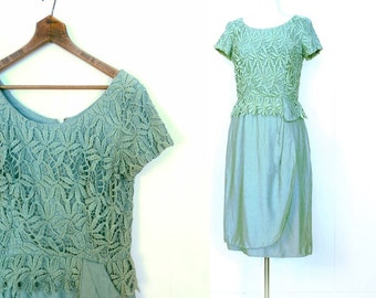 Vintage 60s Dress / Jadeite Green Lace Dress / 1960s Dress / Small S