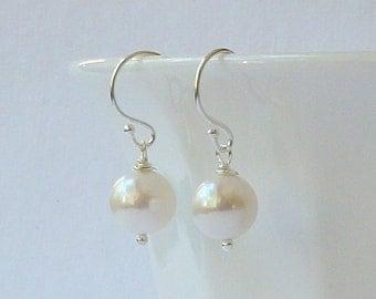 White Pearl Earrings,Bridesmaid Jewelry Gift, Pearl Dangle Drop Earrings