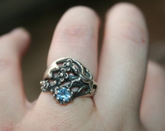 PROMOTION ...  Vintage Sterling Silver Lizard , flowers blue  quartz stone stone Ring Twig Diorama  Stunning in size 6 and half