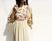 70s White Caftan, Floral Maxi Dress, Vintage Boho Dress, Off White Maxi, 70s Hostess Gown, Designer Lounge, Boho Patio Dress / xs