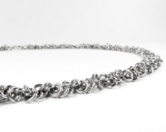 Thin Shaggy Pattern - Chainmaille Necklace