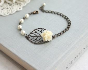 Antiqued Brass Bronze Leaf, Ivory Flower Bouquet Pearls Bracelet. Leaf Bracelet. Nature Inspired Bracelet. Bridesmaid Gifts. Bridal Wedding
