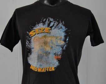 80s Vintage Tshirt Fishing Size Does Matter Dad Humor Distressed Tee Faded Ocean Beach MEDIUM