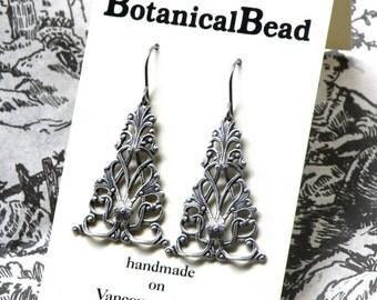 Silver filigree drop earrings, silver drops, oxidized silver filigree earrings, detailed silver drops, silver earrings