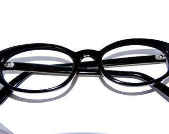 1950s Womens Cateye // 50s Vintage Cats Eyes  Eyeglasses // Black Metal arm