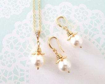Valma - Simple Pearl Earrings with Swarovski Pearl Drop, Gold Wedding Bridal Brides Bridesmaid earrings, gifts for her, everyday pretty