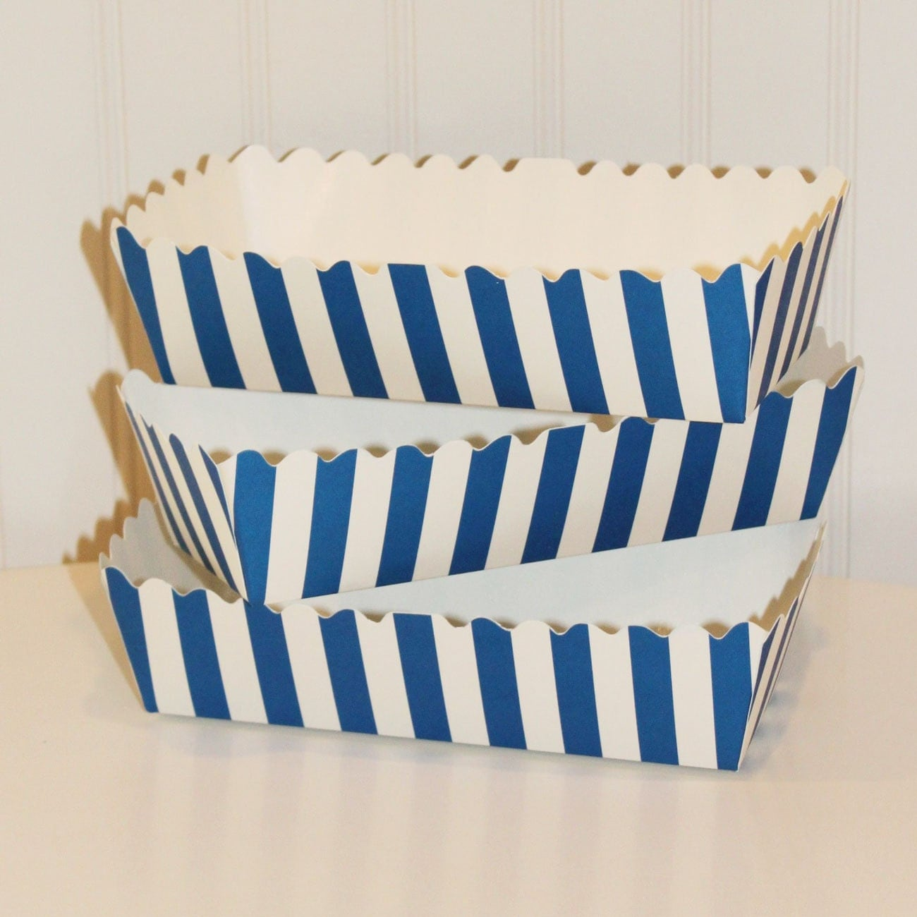 Paper food tray 5 blue stripe food trays hot dog tray for Paper food tray template