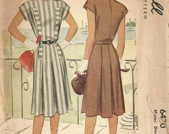 McCall 6470 / Vintage 40s Sewing Pattern / Dress / Size 14 Bust 32