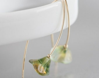 Green apple blossoms - flower minimalist earrings
