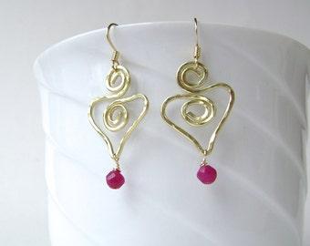 Red Earrings, Berry Jade, Heart Earrings, Gemstone Jewelry, Valentines, Hammered, Handmade, Wire Jewelry, Raspberry, Red, Pink, Fuchsia, 695