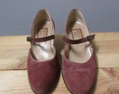 STOREWIDE CLEAROUT SALE 6 mauve suede mary jane wide ankle round toe vintage 70s heel pumps shoes