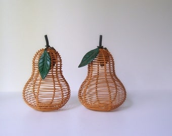 pear-y nice...a pair of vintage sculpted wire pears
