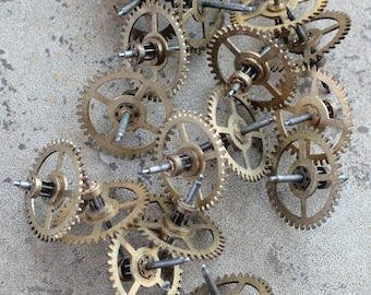 Vintage clock brass gears -- set of 20 -- D16