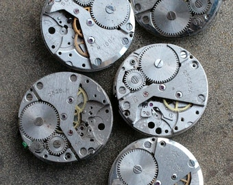 Vintage watch movements -- identical -- set of 5 -- D3
