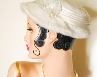 Sequined Fascinator Fifties Hat with Satin Bow