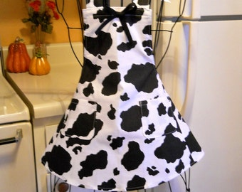 Little Girl's Retro Style Full Apron with a Cow Print