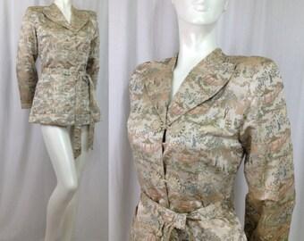 Vintage 1940s blazer jacket robe Asian tapestry shoulder pad tie belt frog closure Pastoral bed jacket bathrobe