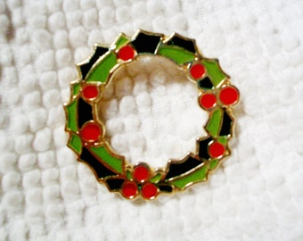 Vintage Enameled CHRISTMAS PIN, Holly & Berry PIN, 2 Tone Green, Red, Gold, Made In Korea, Excellent Condition