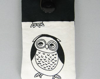 R5 iPhone sleeve, iPhone pouch, Samsung Galaxy S3, S4, Galaxy note, cell phone, ipod classic touch sleeve - black and white owl