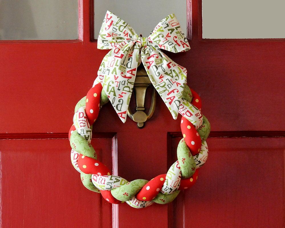 Braided Fabric Christmas Wreath Fa La La La Bow Christmas Decor