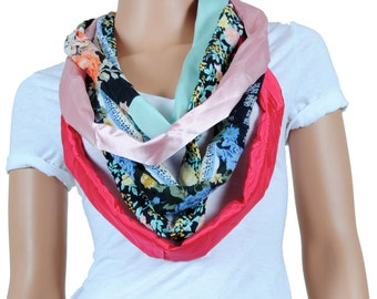 Scarf - Infinity Scarf - Womens Chunky Floral Print Scarf