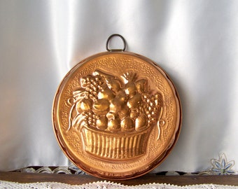 Vintage Copper Kitchen Mold Fruit Basket Copper Mould Embossed Fruit Mold Kitchen Wall Hanging Country Kitchen Vintage 1980s