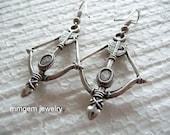 Outlet, sale, arrow, arrowed, earrings, silver tone