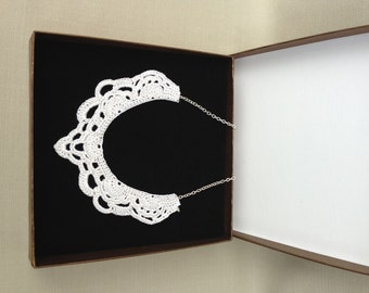 Small White Crochet Necklace - Crochet Jewelry - Lace Holiday Accessories - Lace Crochet Collar