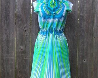 Vintage 70's BRIGHT BOLD RAYS Dress