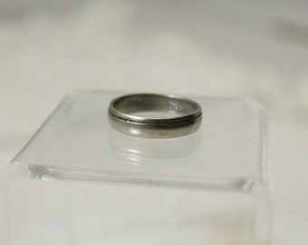 Vintage 925 Sterling Silver Band Ring - Size 6