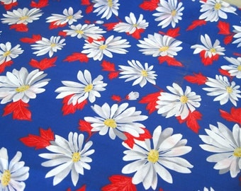 """Vintage Fabric - Daisies  - Red, White & Blue - 36""""L x 44""""W - 1970's - Retro - Sewing Material - Craft Supply - Yardage"""