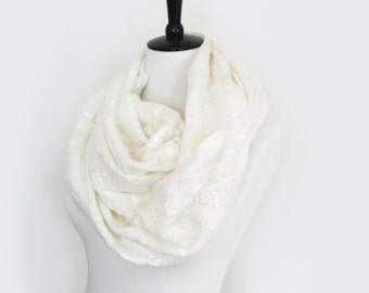 Cobweb cowl Scarf circle scarf Infinity Scarf lace Felted 2 in1 shrug ivory