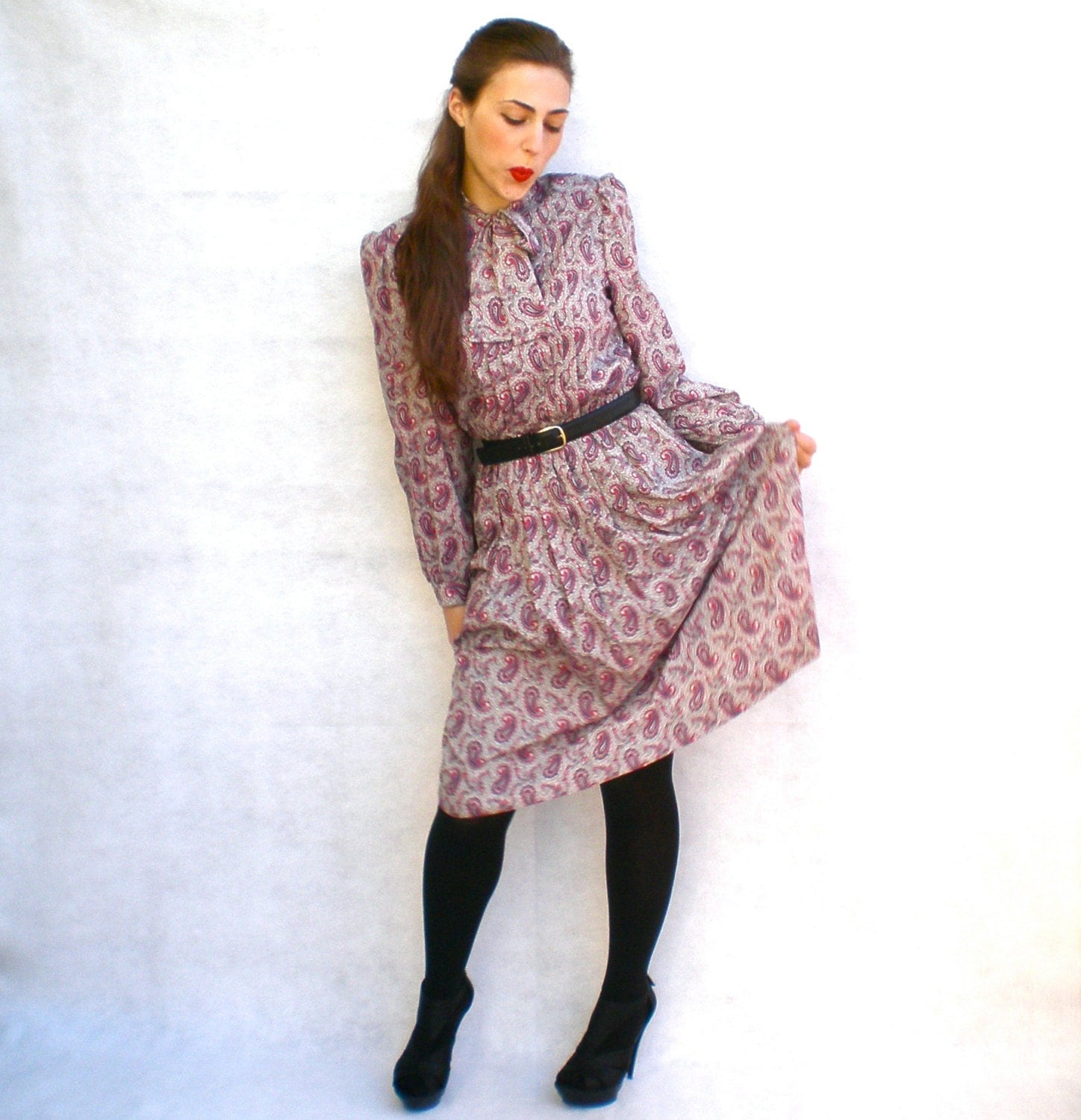 Vintage 70s Shirt Dress Paisley Print Red Gray Tie Neck