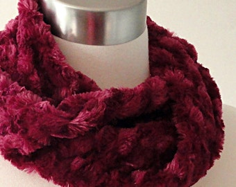 Berry Faux Fur Scarf - Minky Scarf - Plum Easy Infinity Scarf  - Short No Fuss Circle Scarf