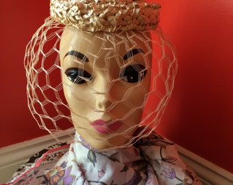 """Vintage 1940's-1950's """"I See You"""" Straw Pillbox Illusion/Birdcage/Netted Style Hat"""