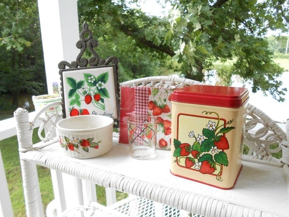 strawberry kitchen accessories strawberry decor strawberry kitchen decor trailer decor 2578