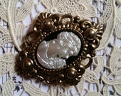 Lovely Vintage Diamond Victorian Cameo Brooch Pin Gold Tone