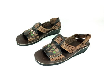 8 Floral Woven Leather Sandals, Hippie Sandals 8 - Tooled Leather Huaraches 8