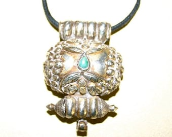 Antique Tibetan Gau pendant, silver & turquoise