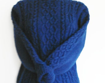 vintage woolhandknitted navy blue pullover