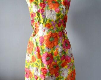 Vintage 60s Psychedelic Mini Shift Dress / Mod  / Neon Orange Floral / Small/Medium