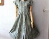 Green Vintage dress / Cute dress / women / 1960s / fashion / spring summer