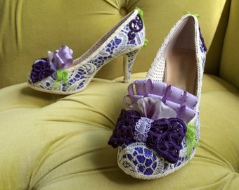 Marie Antoinette Style Rococo Baroque Heels Shoes Costume Ivory Cream Lace Purple Lavender Eggplant Green Mardis Gras Fashion Bows CUSTOM