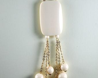 Vintage Necklace Ivory Colored Mod 1960s Necklace