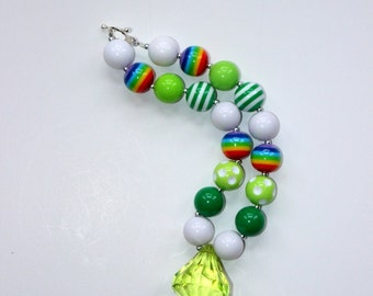 St Patricks Day necklace for girls. Rainbow beaded bubblegum necklace. Baby toddler girl green birthday rainbow necklace.