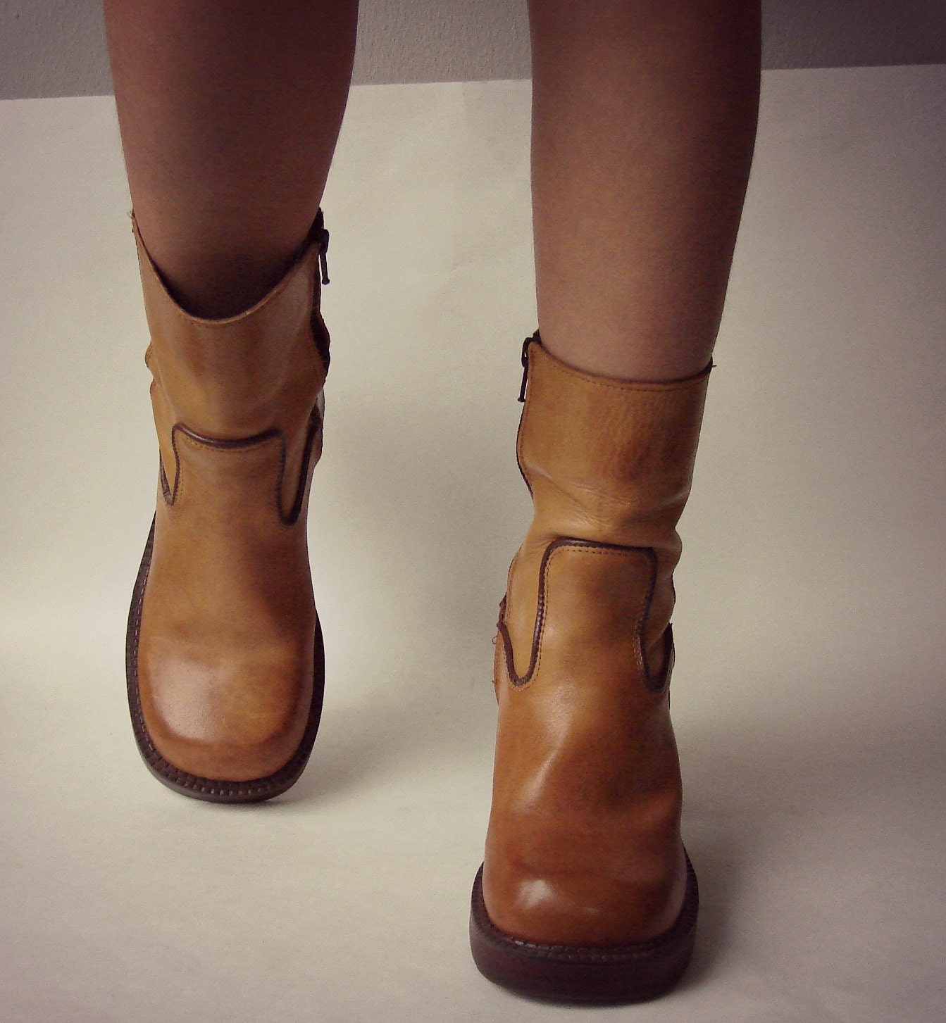 brown boots leather platform boots by mustang 90s