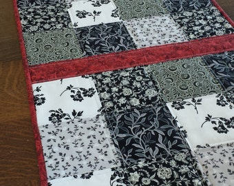 Quilted Table Runner, table runner, quilted patchwork runner, patchwork runner, quilted runner, quilted runners, etsy table runners