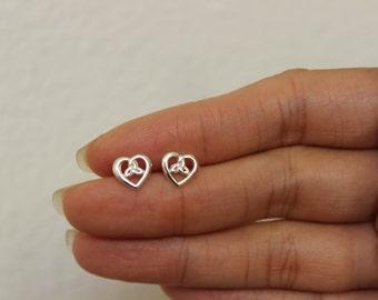 Sterling Silver Celtic Heart Stud Earrings, Celtic Earrings, Dainty Earrings, Gift for Girlfriend, Anniversary Gift, Wedding Gift.