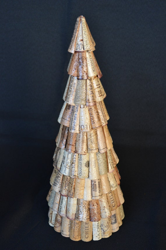 Wine cork christmas tree cone christmas tree tabletop for How to make a wine tree