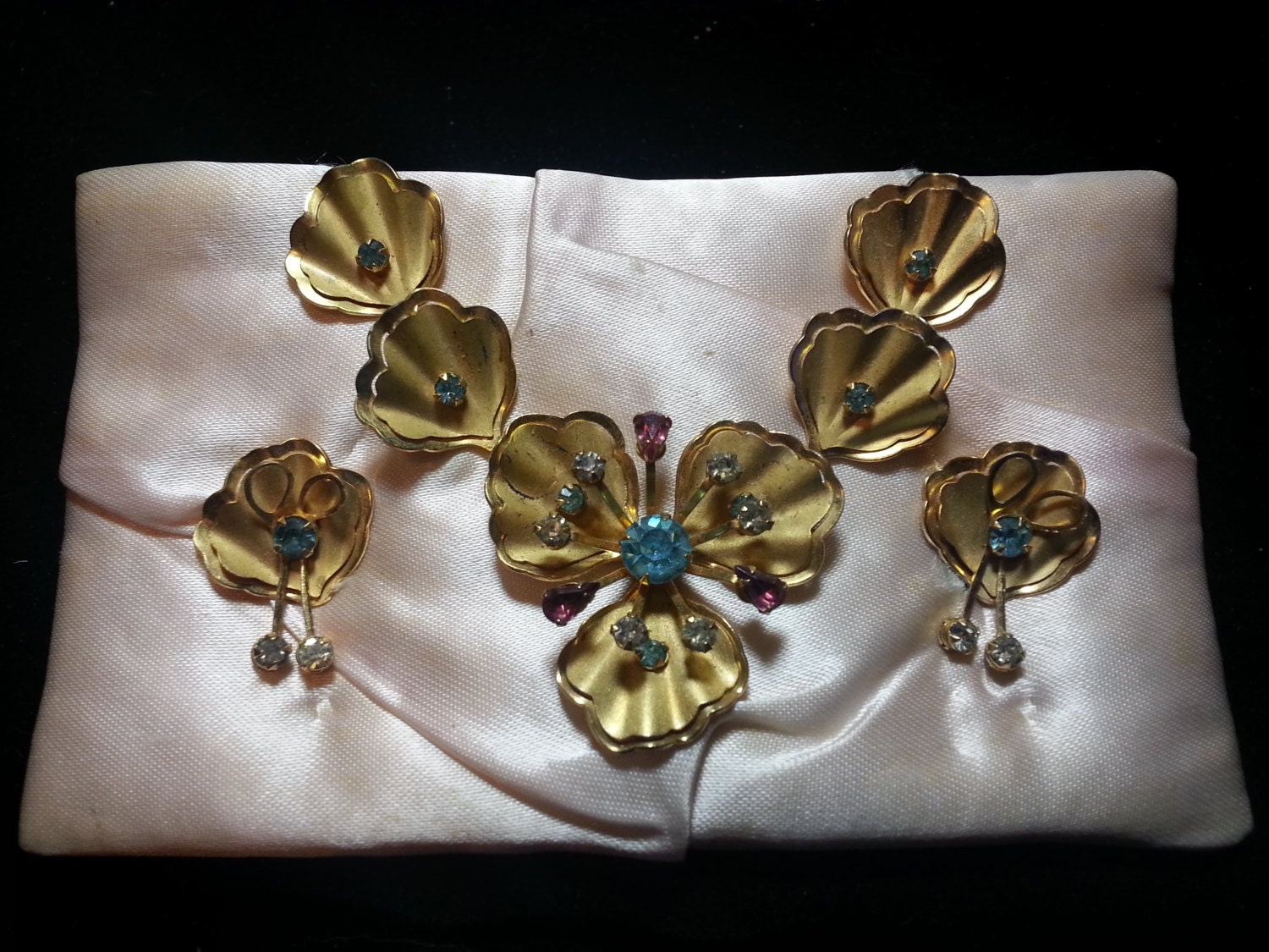 Price slashed vintage bugbee niles necklace w matching for Bugbee and niles jewelry